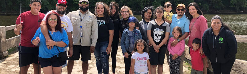 Casa de Esperanza Latino Family Fishing Day group